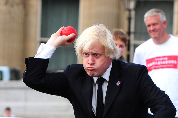 boris-johnson-throws-tiny-football-becomes-meme-2-323-1403523359-0_dblbig